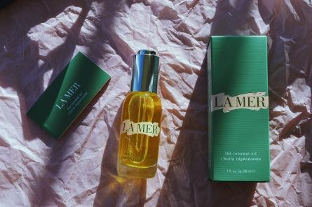 La Mer the Renewal Oil packaging
