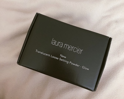Laura Mercier | Translucent Loose Setting Powder Glow Review
